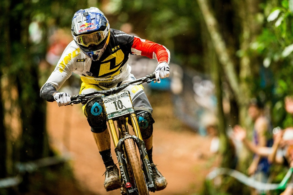 Gee Atherton – Action