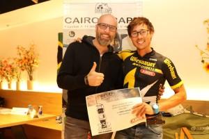 Foto2_Triathlon-Sportler Michael Strasser mit dem Bordo CENTIUM Gewinner Werner Streitfelder
