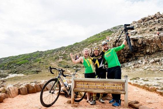 Foto_Extremsportler Michael Strasser mit seinem Team am Kap der guten Hoffnung