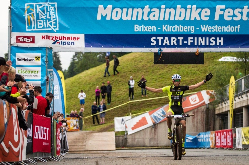 KITZALPBIKE CROSS COUNTRY-RENNEN: GEHBAUER & OSL AM PODEST