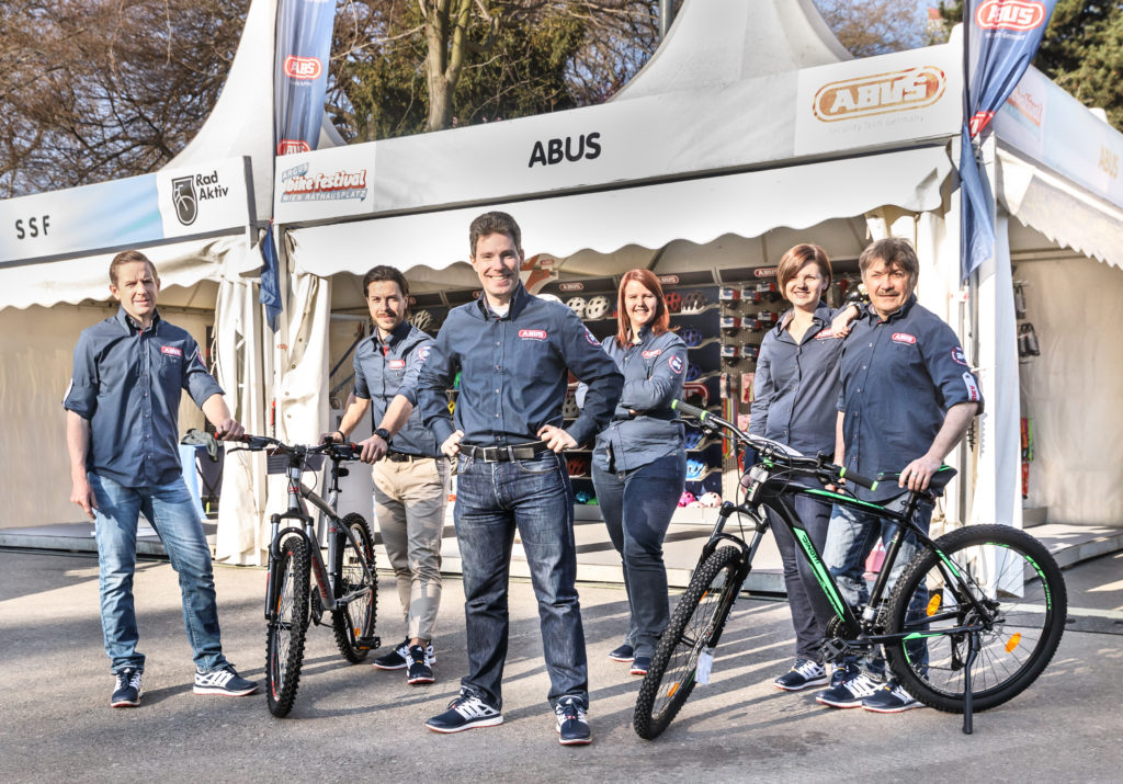 ABUS Messe-Team am ARGUS Bike Festival