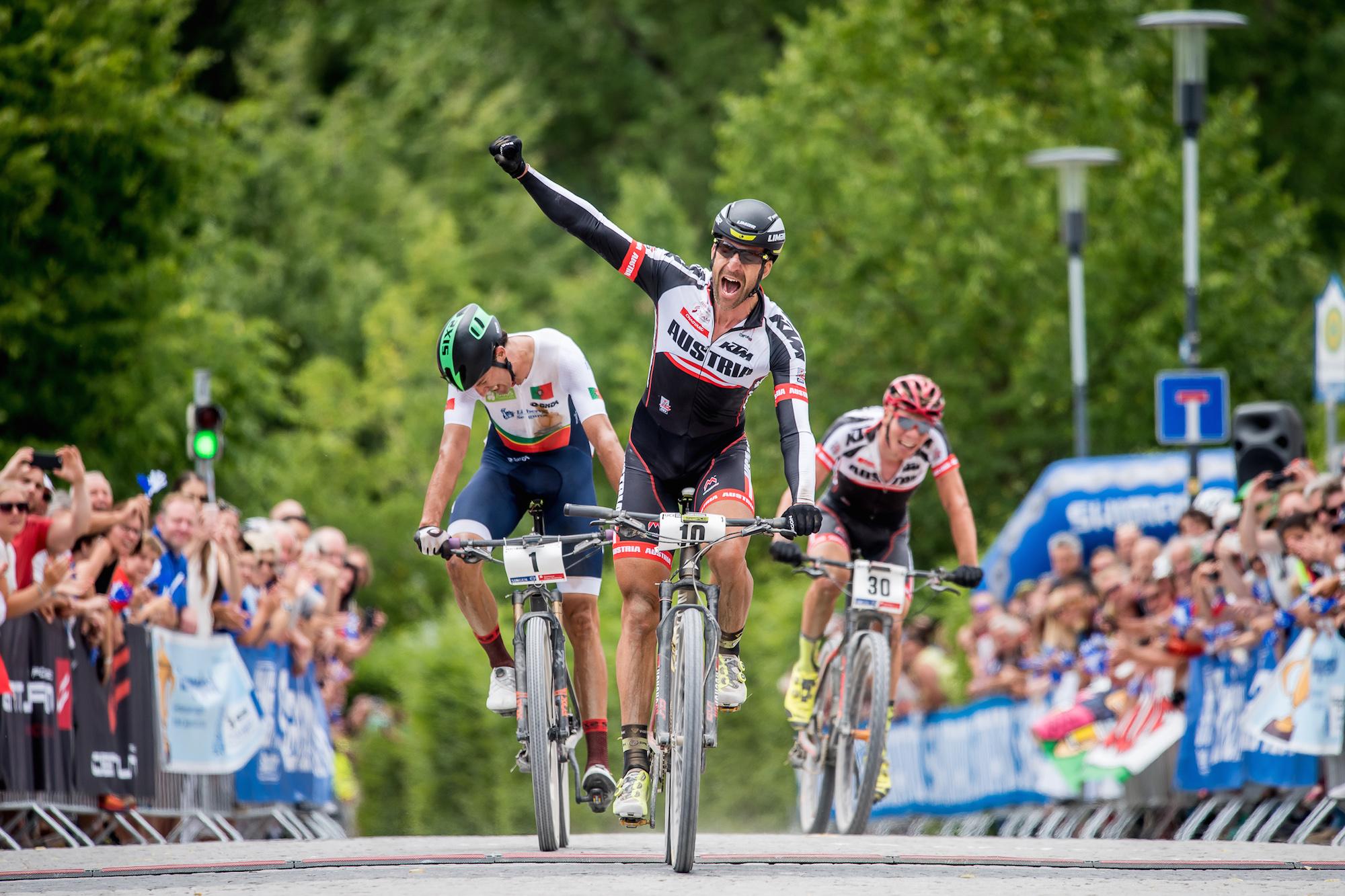 ALBAN LAKATA WELTMEISTER || UCI MTB MARATHON