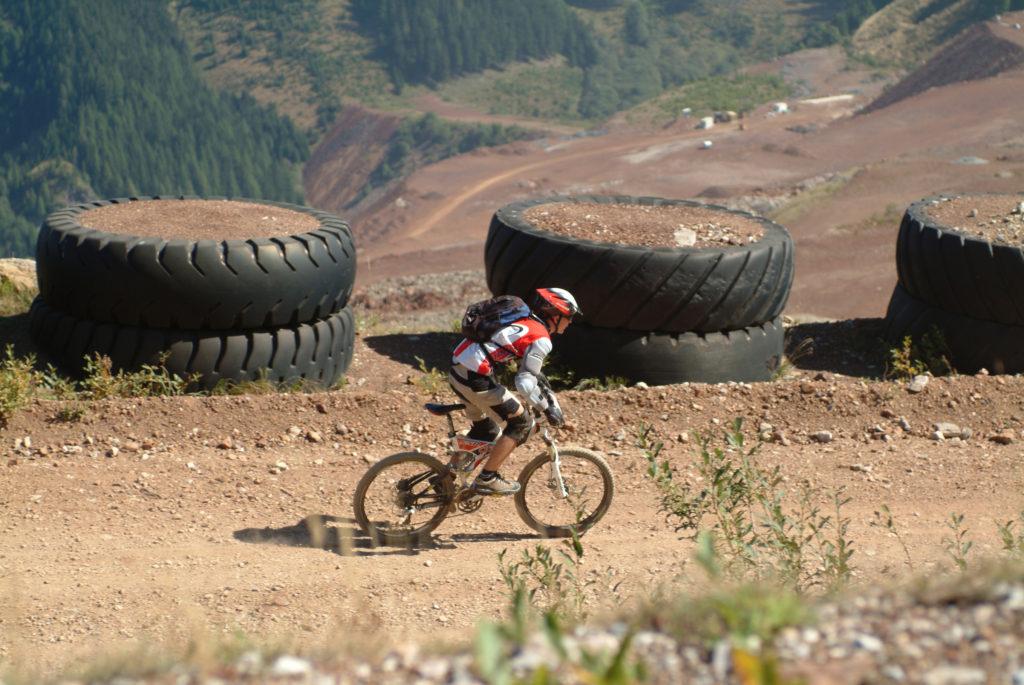 Fototext: Mitteleuropas größter aktiver Bergbau wartet auf alle MTB-BikerInnen (Foto: Regina Stanger)
