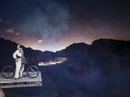 SyoVanVliet_Spaceman