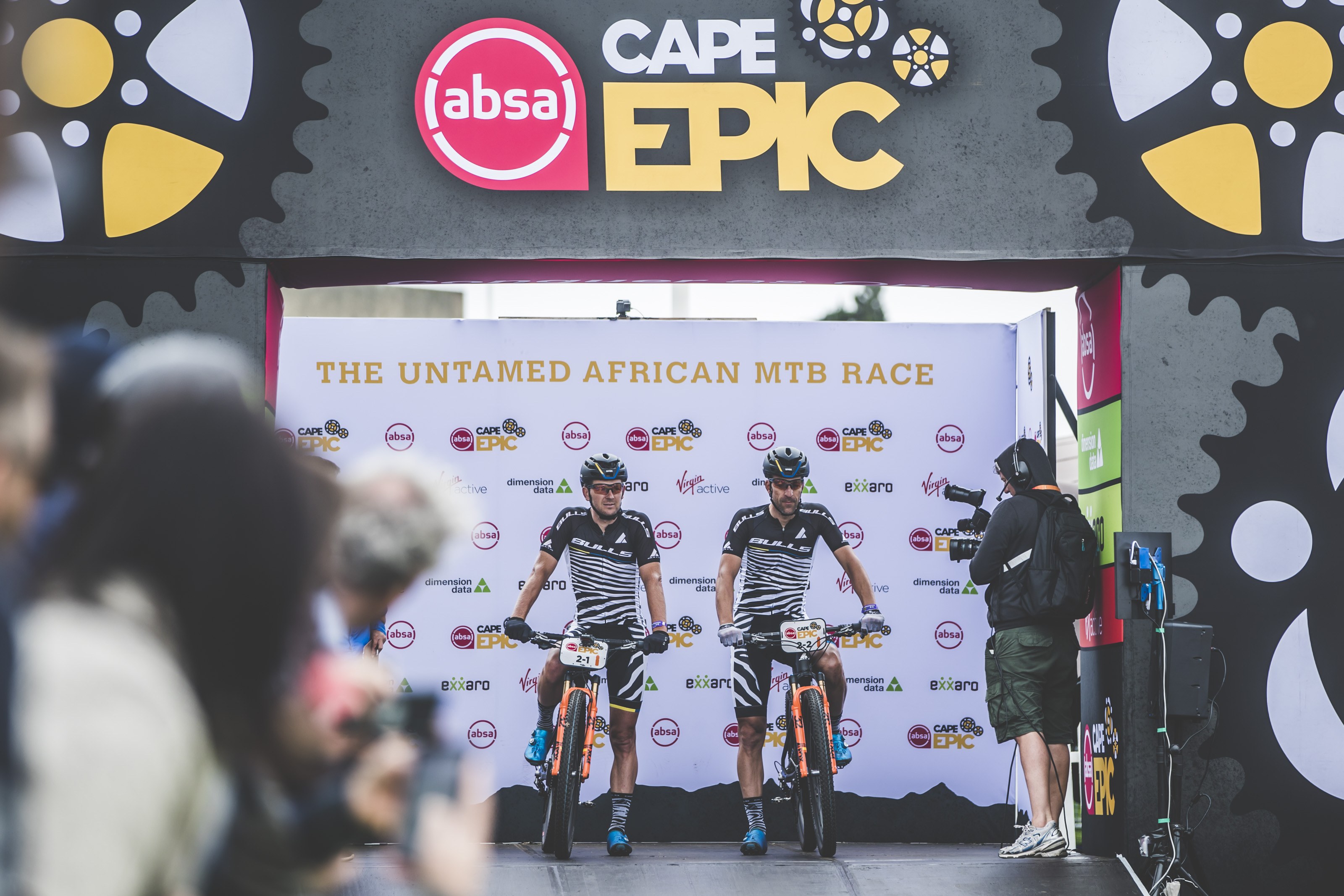 CAPE EPIC // BEHIND THE SCENES MIT ALBAN LAKATA & DEM TEAM BULLS #3 PROLOG