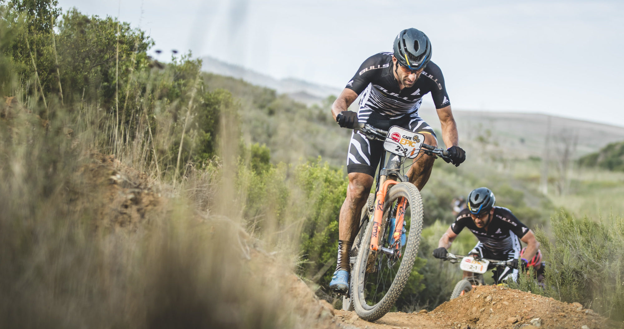 CAPE EPIC // BEHIND THE SCENES MIT ALBAN LAKATA & DEM TEAM BULLS #5 ETAPPE 2