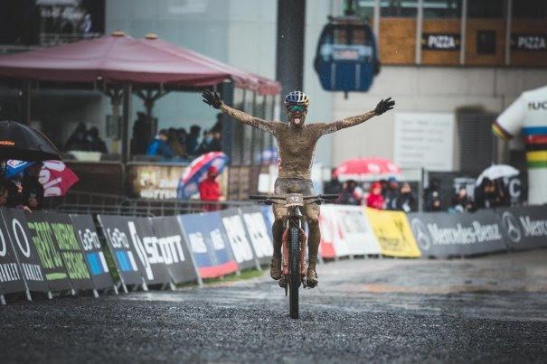 UCI 2020 Mountainbike Weltmeisterschaft startet mit herausfordernden Bedingungen