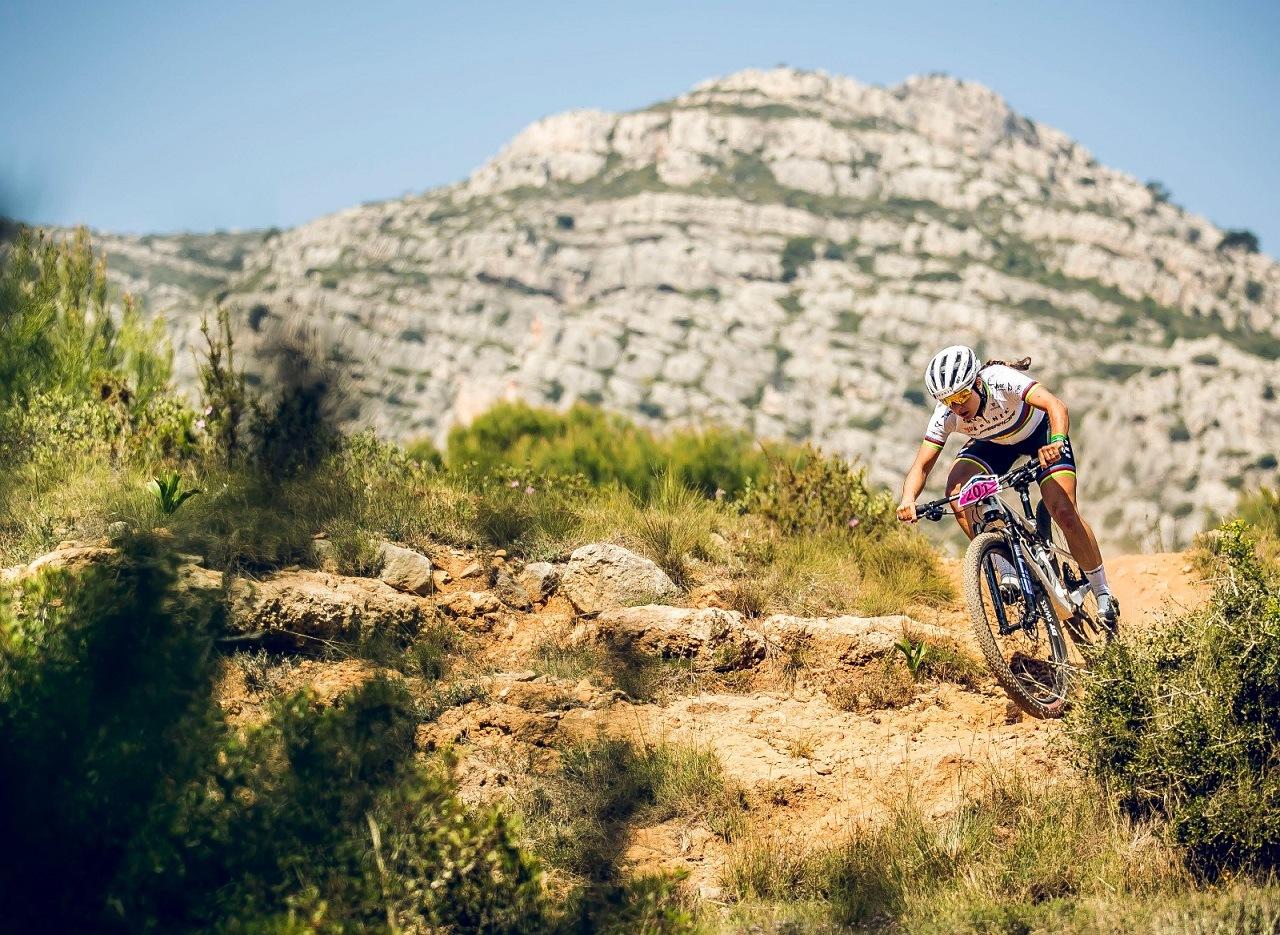 MEDITERRANEAN EPIC 2021 – Fabian Rabensteiner & Chiara Teocchi gewinnen die 1. Etappe