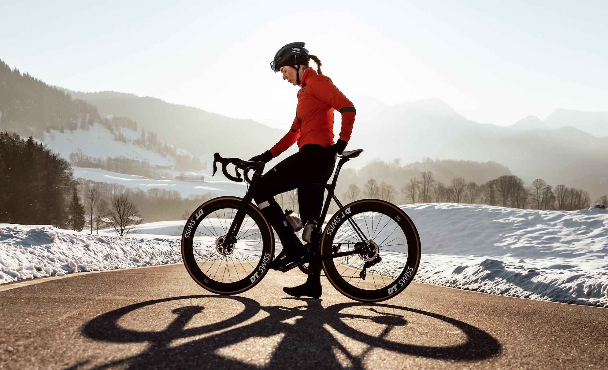 Wärmer durch den Winter: Thermo-Essentials von GORE®WEAR für Frauen